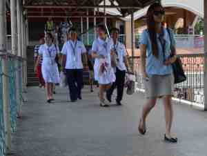 The medical and nursing students wear white uniforms.